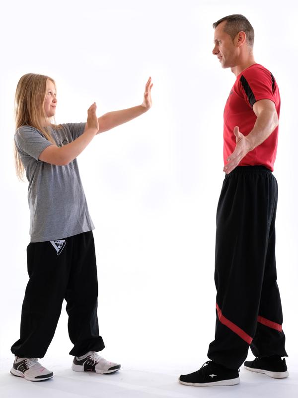 Kindertraining für Mädchen und Jungs ab 6 in Fachschule für Stuttgart Wing Tsun Wing Chun Wing Tzun Ving Tsun