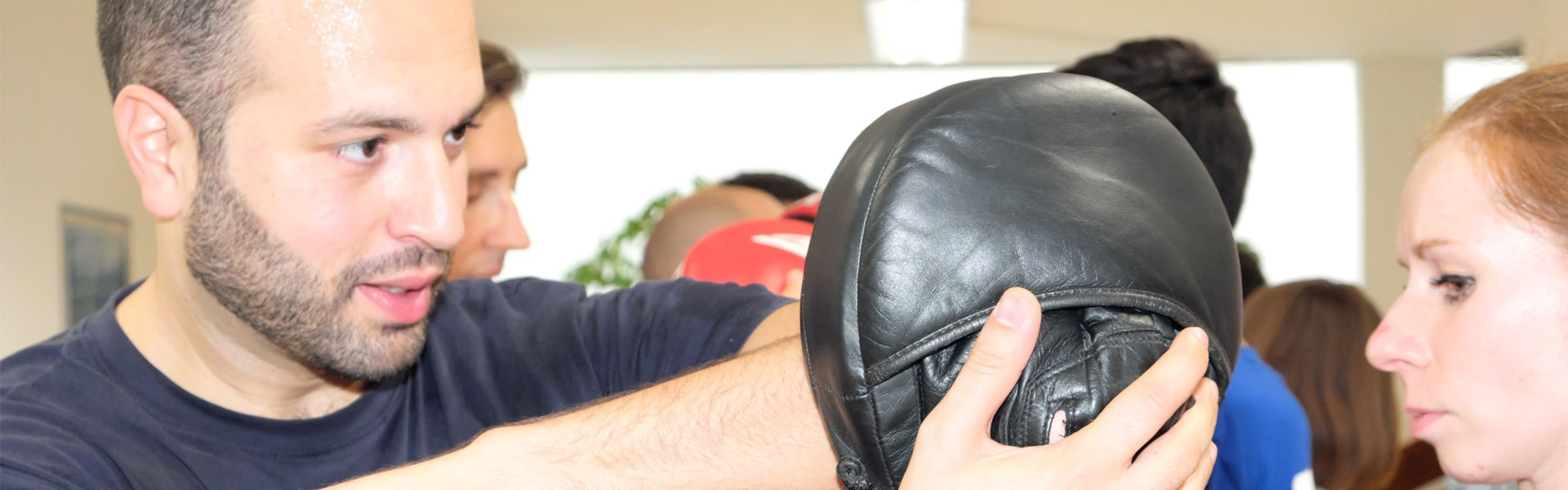 Kampsport, Kampfkunst, Selbstverteidigung, Wing Tzun, Wing Tsun, Wing Chun, Fachschule für Selbstverteidigung